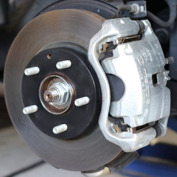 image-日本車と輸入車の違い-第2弾-「ホイルボルトの差」 | Car Shop Dearsign