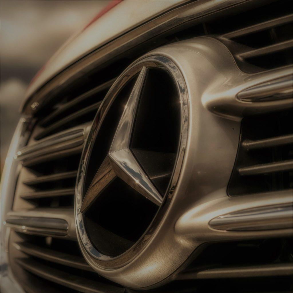 image-ある女性がメルセデスベンツを買ったら人生がウキウキし始めたお話 | 【interview】女性がメルセデスを買ったら人生がウキウキし始めたお話 Car Shop Dearsign